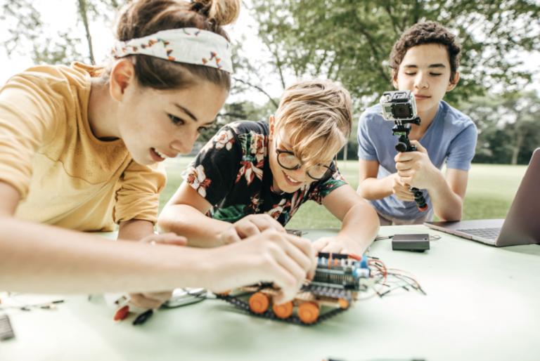 Programiranje ili robotika – čime se djeca bolje razvijaju?